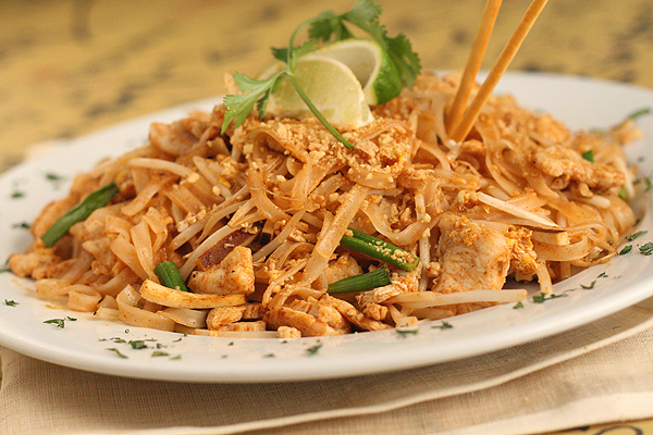 Signature dishes for Healthy chicken pad thai